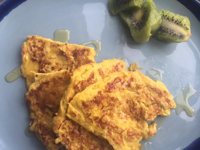 Banana Omelette with a side of kiwis