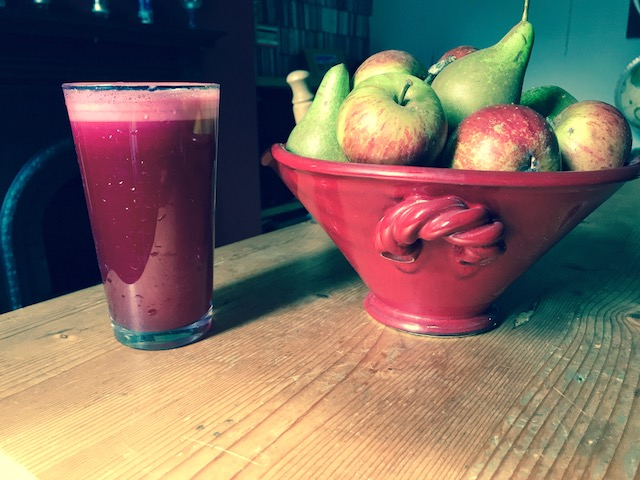 Apple, Pear and Beetroot Juice – Drink and Eat Clean!