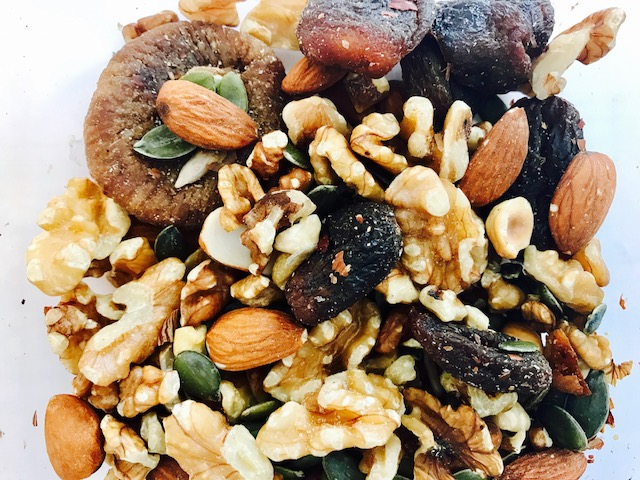 Healthy Snacks – Fruit and Nuts